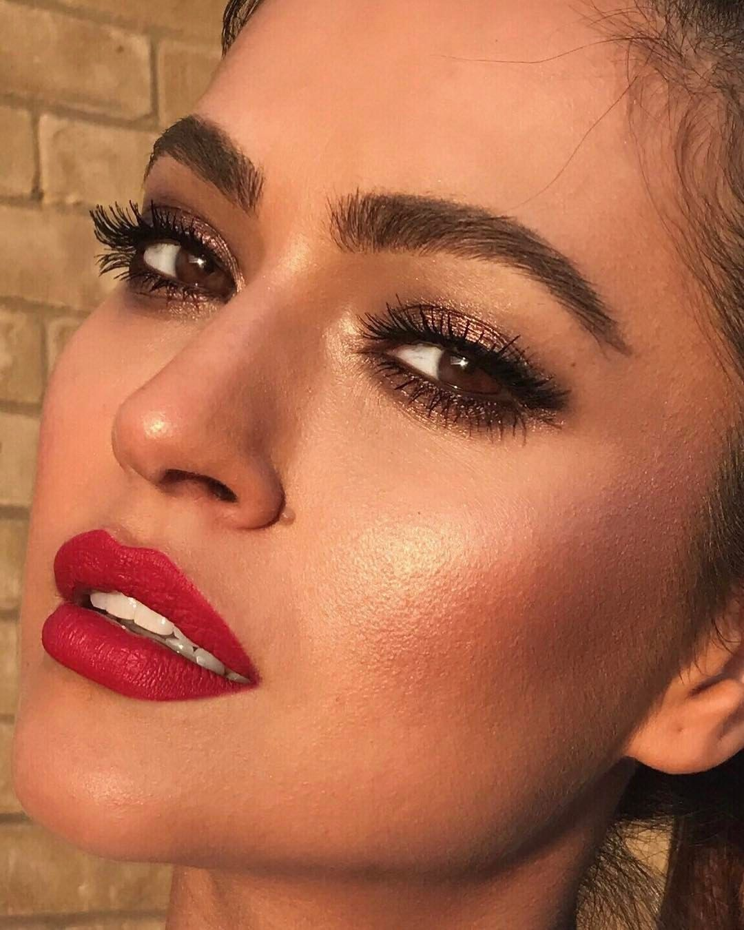 Soft Makeup Idea For Winter Holidays Red Lip Makeup Smokey Eye