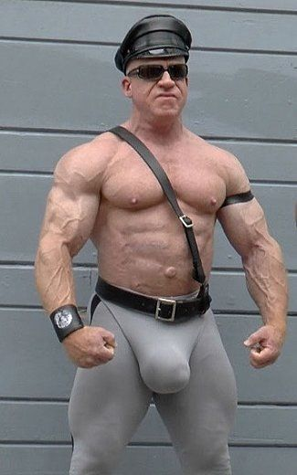 Gay bodybuilder webcam