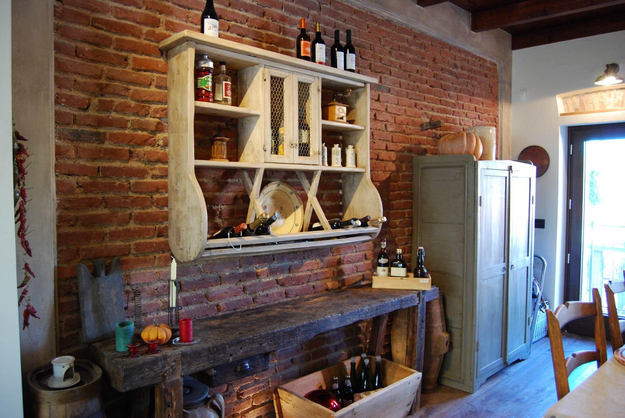La Cucina Rustica La Mangiatoia si completa con l\'utilizzo di mobili ...