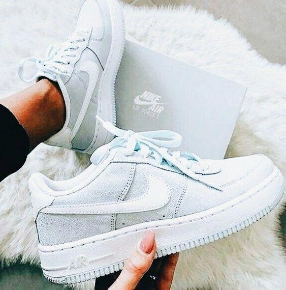 Pin von Lea Uhtenwoldt auf Shoes in 2020   Nike schuhe
