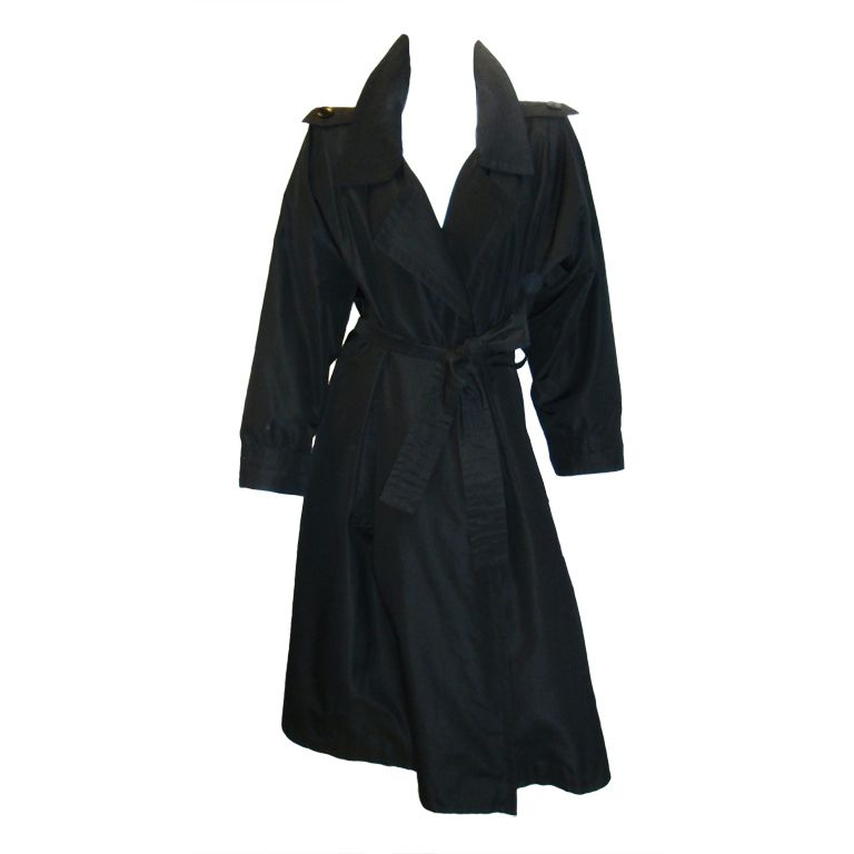 3ffa86a2f8d Yves Saint Laurent Haute Couture Trench Coat in 2019 | s t y l e ...