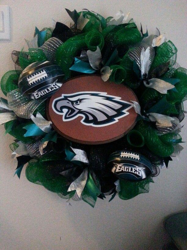 Made A Philadelphia Eagles Wreath Wreaths Pinterest