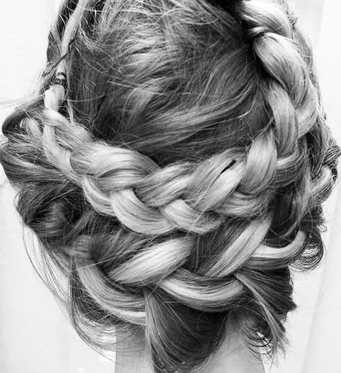 Epingle Par Khadija Alamari Sur Hair Coiffure Jolies Tresses Coiffure Mariee