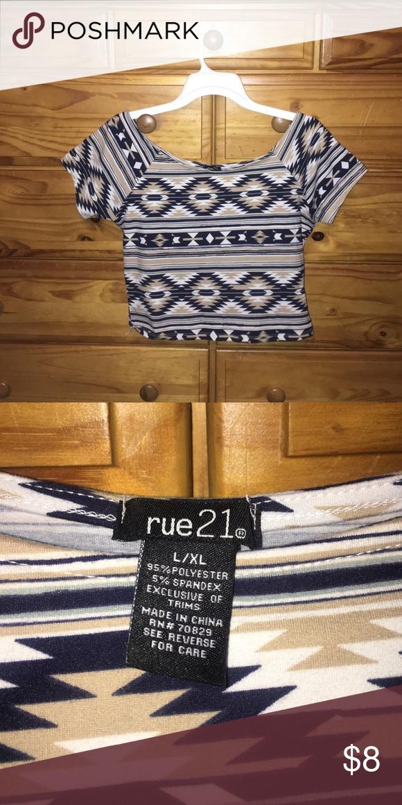 Rue 21 aztec crop top Rue 21 Aztec pattern crop top, very soft and comfy. Rue 21 Tops Crop Tops