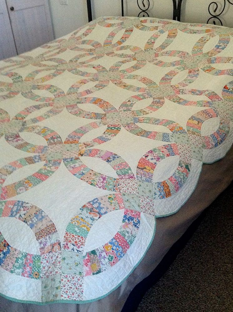 Vintage 1930 S Hand Sewn Double Wedding Ring Quilt 85 X 85
