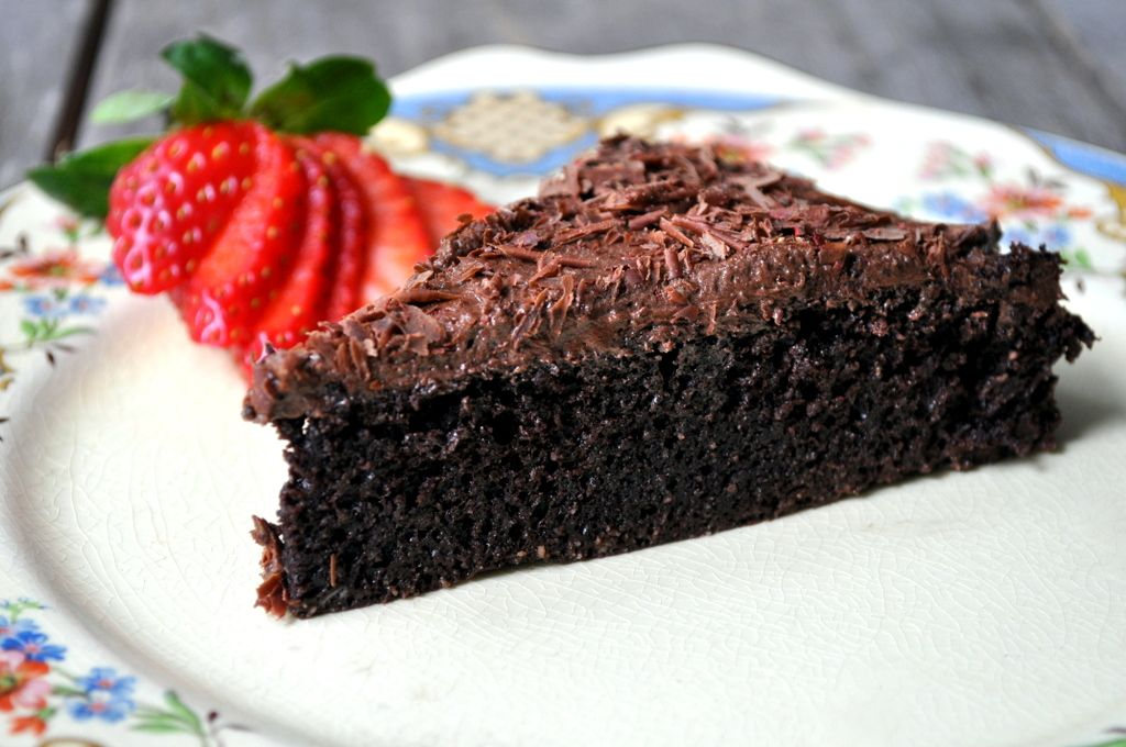 Flourless Chocolate Cake with Ghee Buttercream Frosting and a Strawberry Twist. {Dairy-free, gluten-free, grain-free, Paleo}