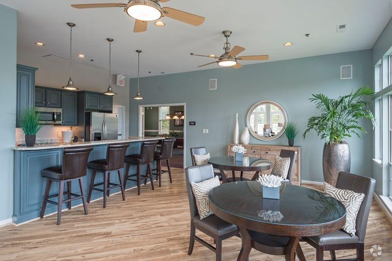 Lakeside Apartments Rentals Charlottesville Va Apartments Com With Images Rental Apartments Apartments For Rent Apartment