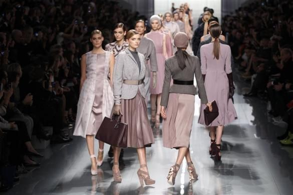 Models present creations by designer Bill Gaytten as part of his Fall/Winter 2012-2013 women's ready-to-wear fashion show for French fashion house Dior during Paris fashion week March 2, 2012.  REUTERS/Benoit Tessier