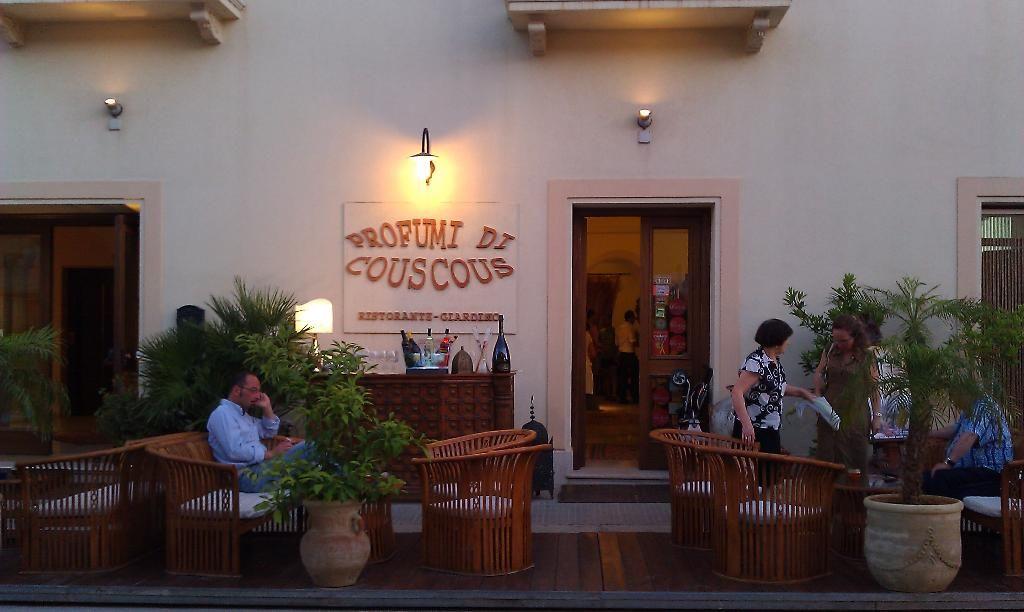 Profumi di Cous Cous Italy Turismo, Ristorante e Italia