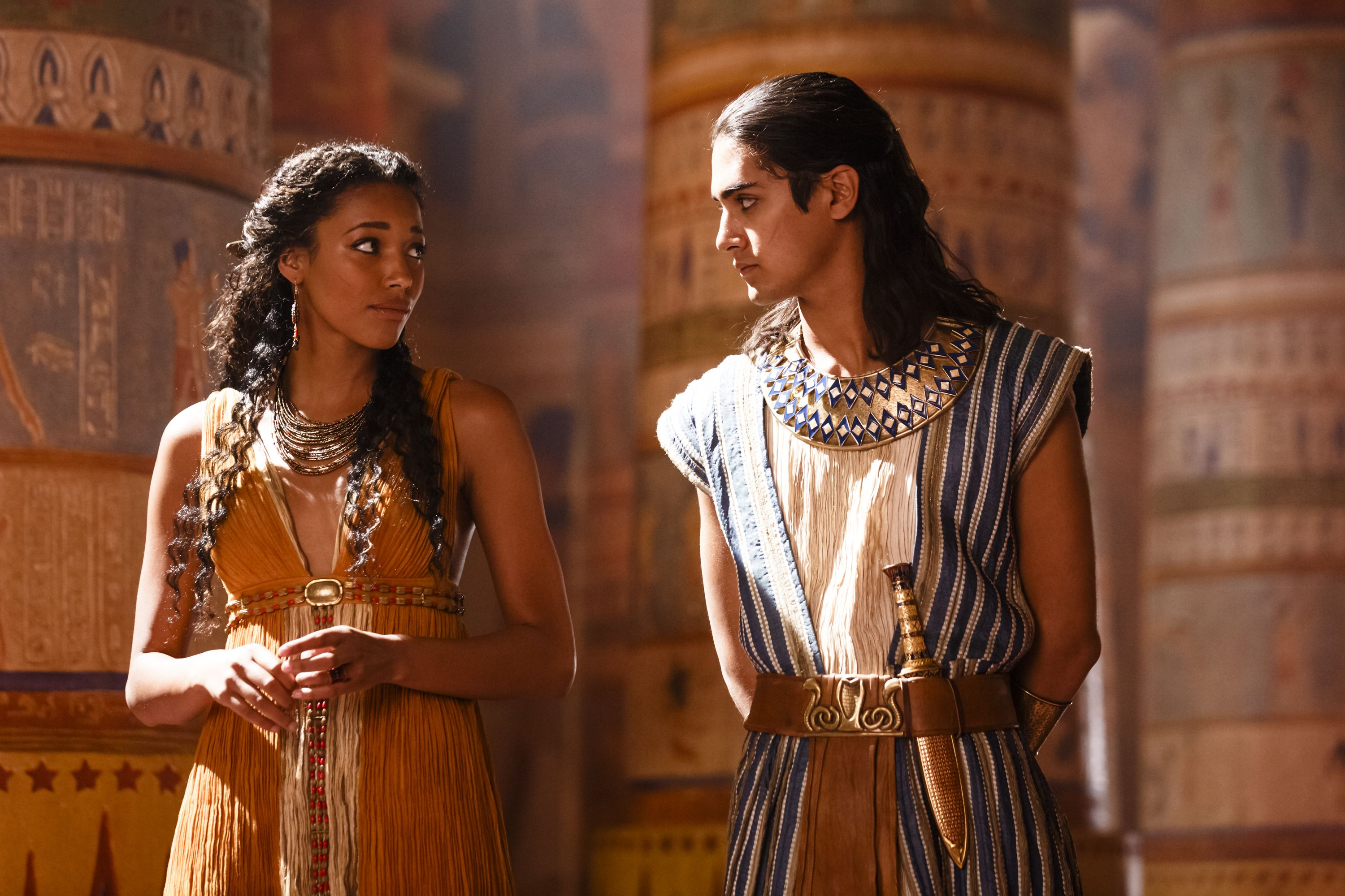 spike 39 s mini series tut with avan jogia and kylie. Black Bedroom Furniture Sets. Home Design Ideas