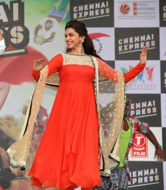Pin by rose on deepika padukone___ | Indian outfits, Saree ...