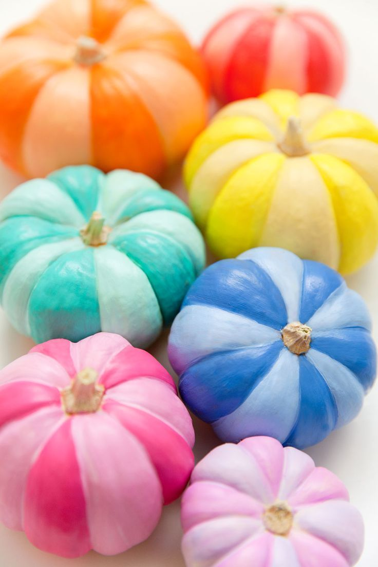 DIY RAINBOW PAINTED PUMPKINS #paintedpumpkins