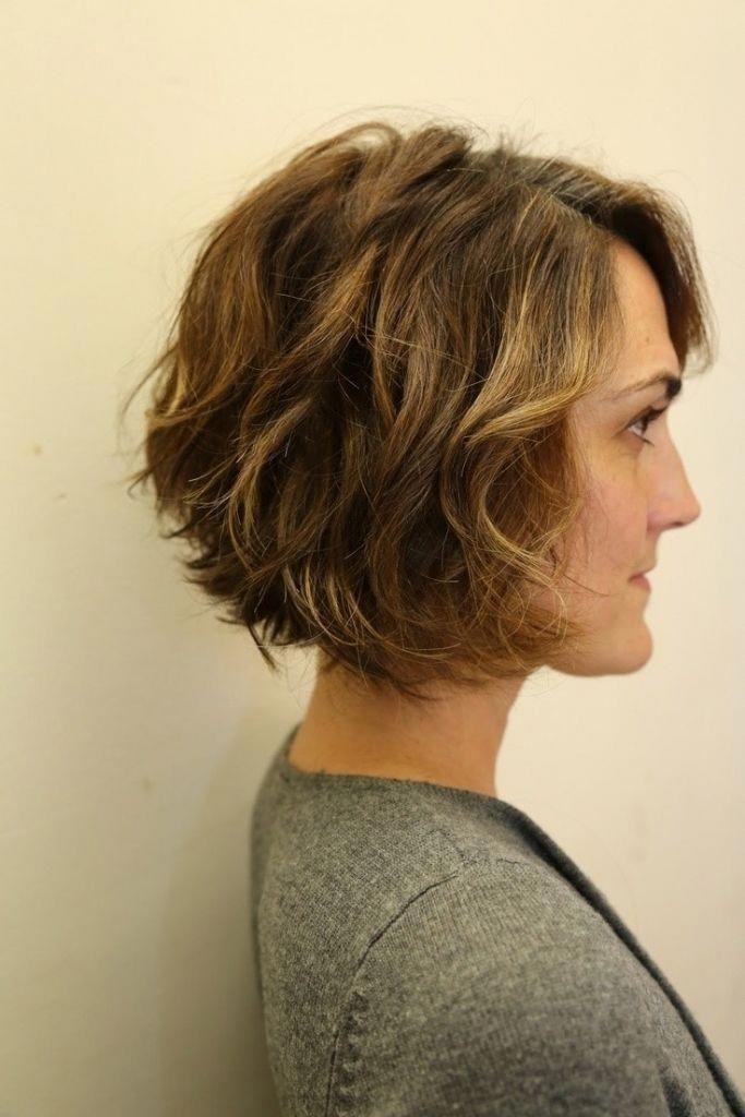 Kurze Bobs für welliges Haar 12 Stilvolle Bob-Frisuren für ...