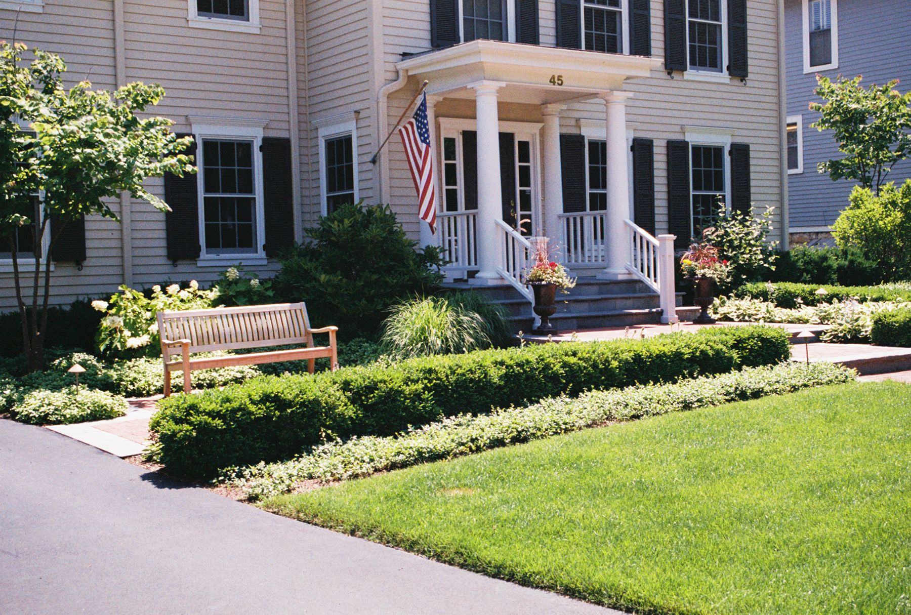 small front yard landscaping ideas   Plants' Front Yard ...