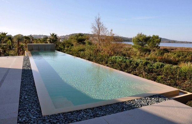 overflowing pool design | Swimming pool ideas | Modern pools ...