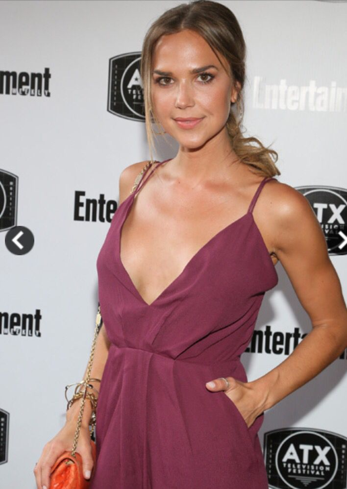 Arielle With Images Arielle Kebbel Gilmore Girls Reunion