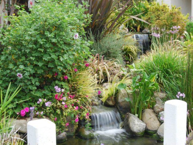 Wasserfall Garten Ideen Blumen Teich Anlegen