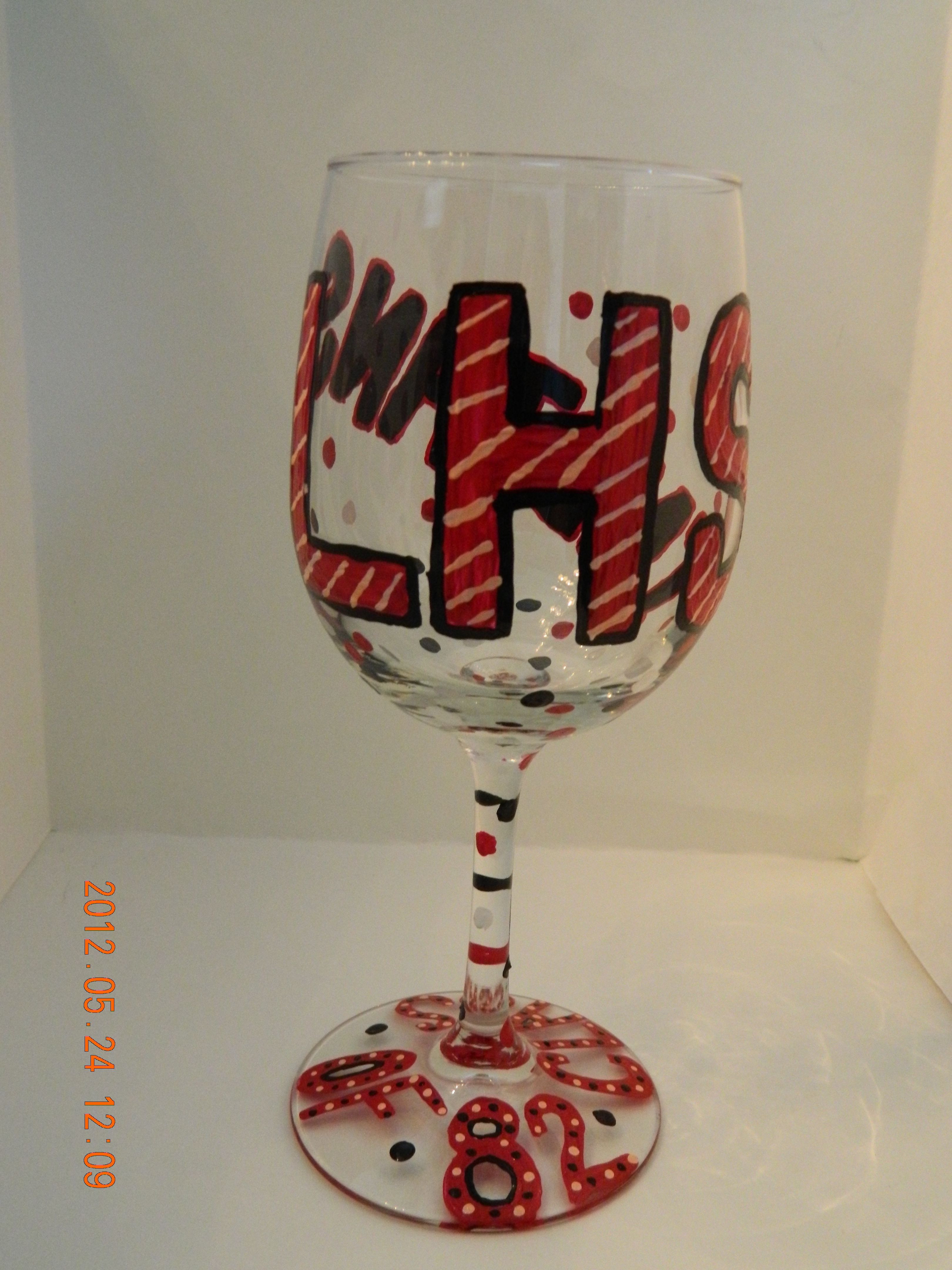 Custom Hand Painted Wine Glasses Schoolspiritbling Com Or School Spirit Bling On Facebook Hand Painted Wine Glasses Custom Hand Painted Painted Wine Glasses
