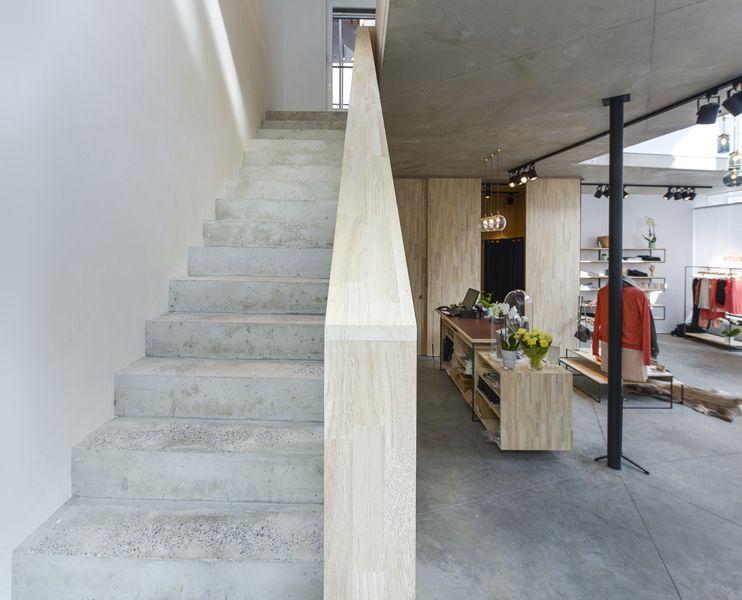 Interieur Verbouwing Hoekpand : Architectuur urbain ac interieur winkel maister foto jeff