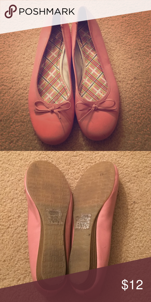 Pink Bongo Slip On Shoes Good condition. Smoke free home. BONGO Shoes Flats & Loafers