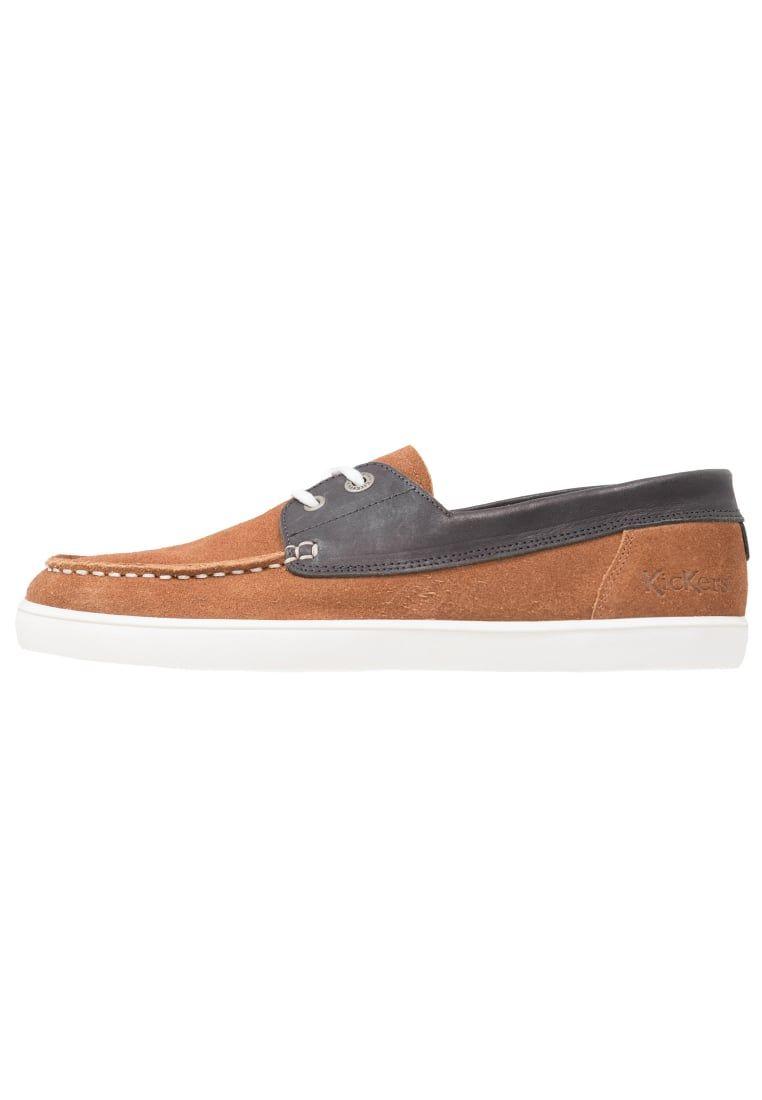 34afcda0302 ¡Consigue este tipo de zapatos con cordones de Kickers ahora! Haz clic para  ver
