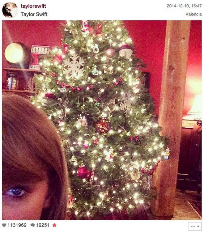 Inside Celebrity Homes: Most Stylish Celebrity Christmas Trees | #celebrityhomes #Christmas #ChristmasTree #celebritynews #celebrityhouses | See also: http://www.celebrityhomes.eu/