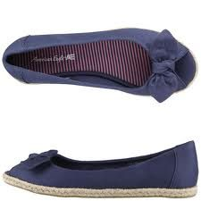 Love these navy flats