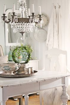 Simple Country Dining - white painted furniture, collections of transferware displayed throughout the room and a beautiful chandelier. This is the perfect room! - via VIBEKE DESIGN: Good weekend!