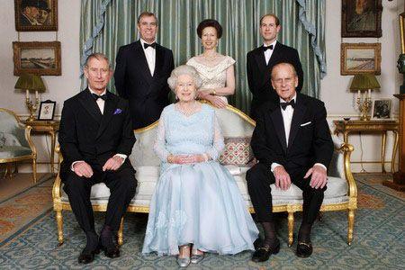 Journee du Commonwealth en Angleterre, sa majeste le reine Elizabeth a fete son jubilé de diamant 60 ans de saphir ses 65 ans comme Reine.