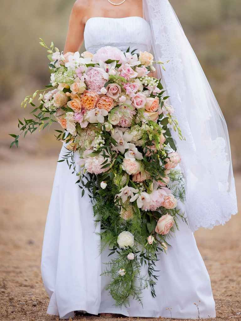 15 Cascading Wedding Bouquets for Every Style   Cascading