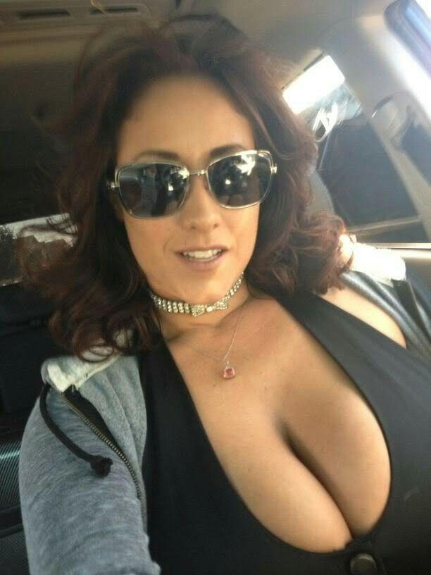 Buste de porno idole américain antonella barbera