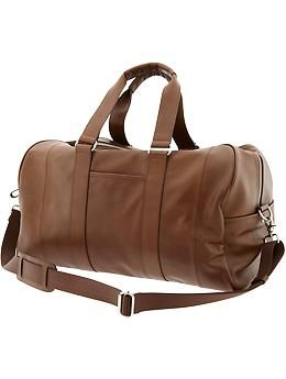 945d07102c8 I honestly cannot have enough leather duffle bags. The one I use is from  Banana Republic and it s handled weekends at the in-laws and international  jaunts ...