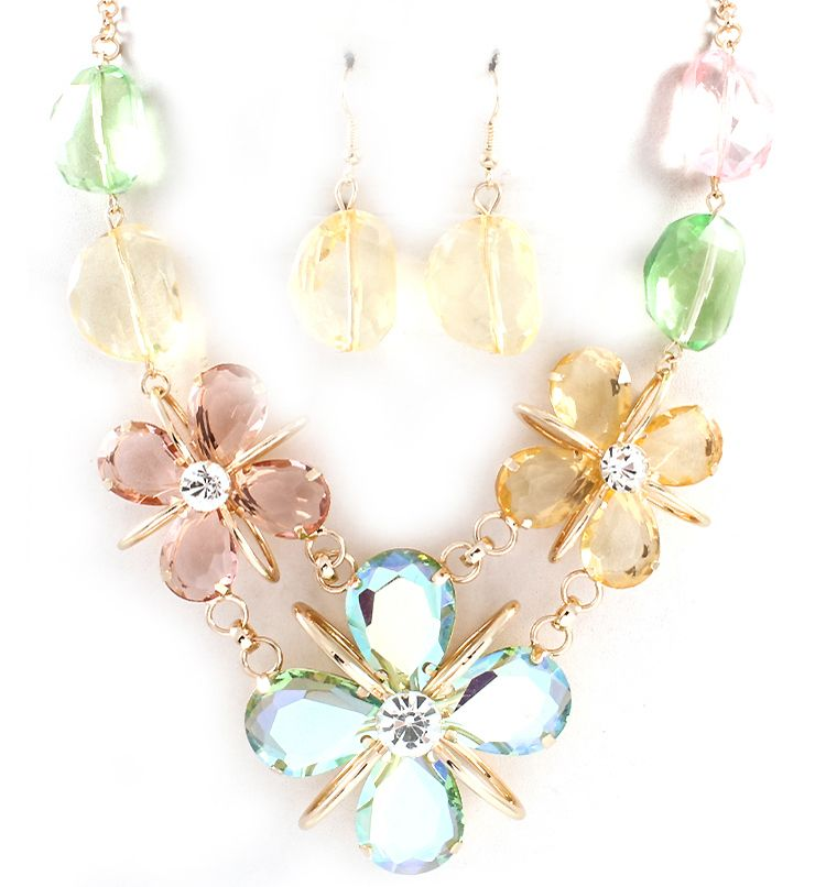 Floating Glass Meagan Necklace in Meadow