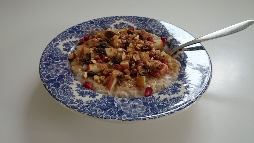 Super healthy and tasty porridge with whole oats, barley and buckwheat.