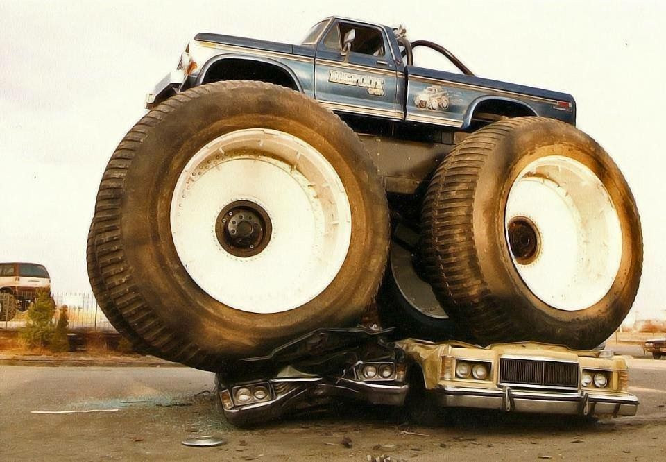 Bigfoot 5 Crushing Cars With Images Monster Trucks Bigfoot