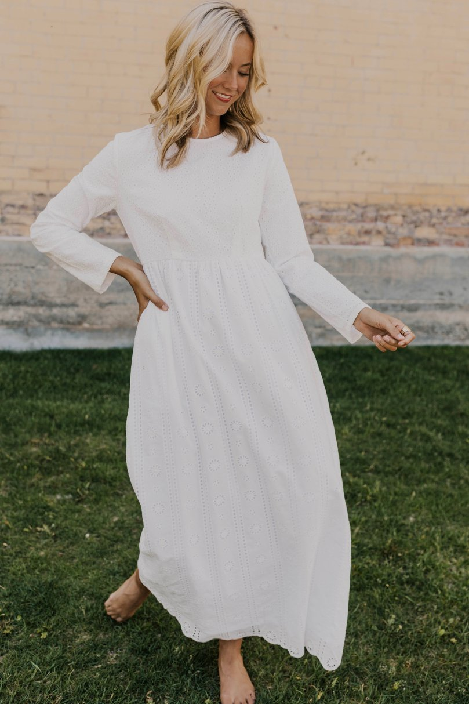 The Always Dress Modest White Dress Dresses Temple Dress [ 1214 x 809 Pixel ]