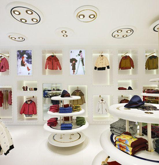 Dise o de tiendas de ropa para ni os google search for Diseno de interiores almacenes de ropa