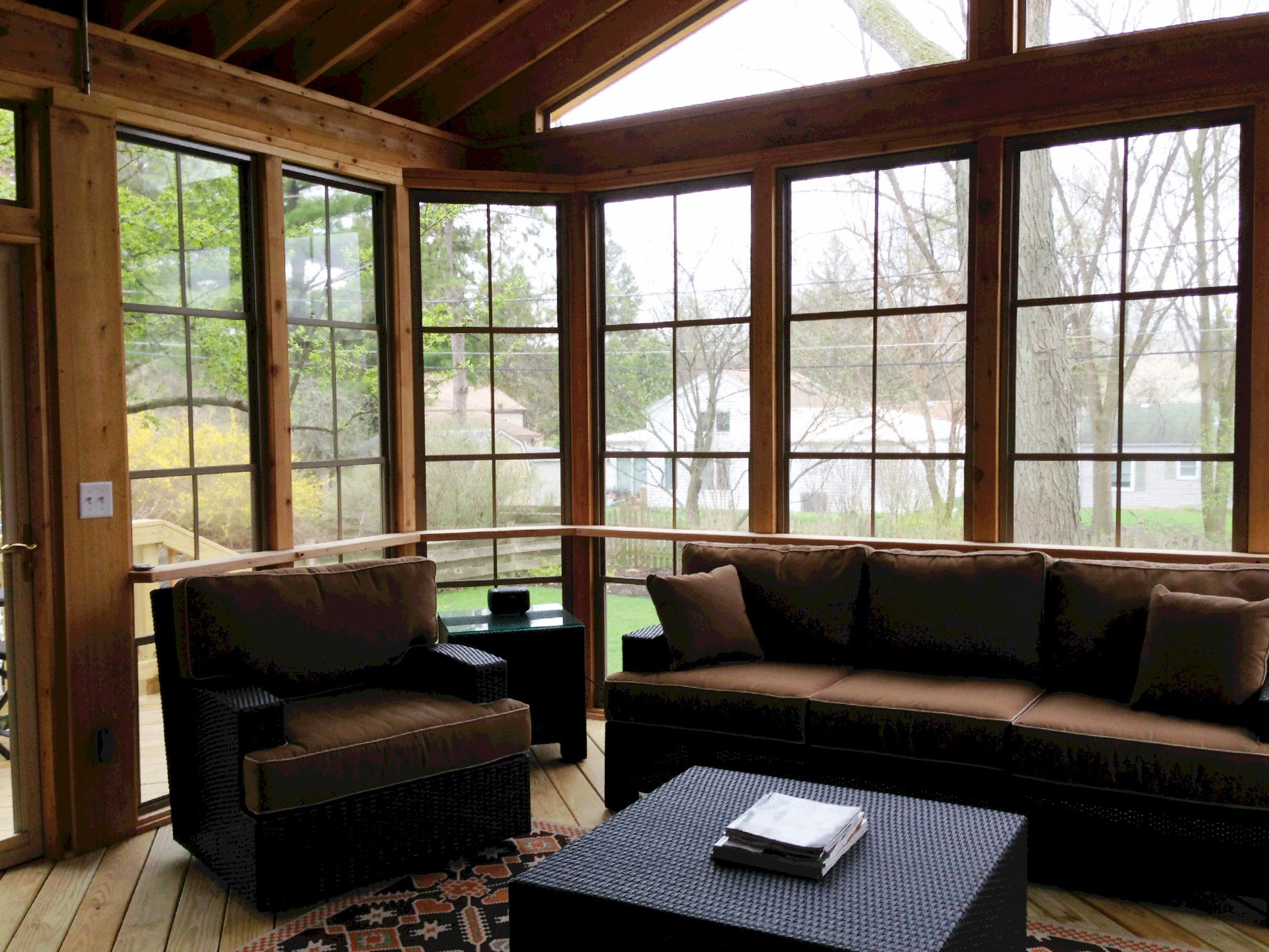 What Is Eze Breeze Raleigh Screen Porch 3 Season Room Builder Screen Room With Eze-breeze Windows By Wheaton, Il Porch