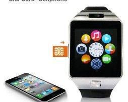 Luxusné a štýlové inteligentné hodinky v striebornej farbe