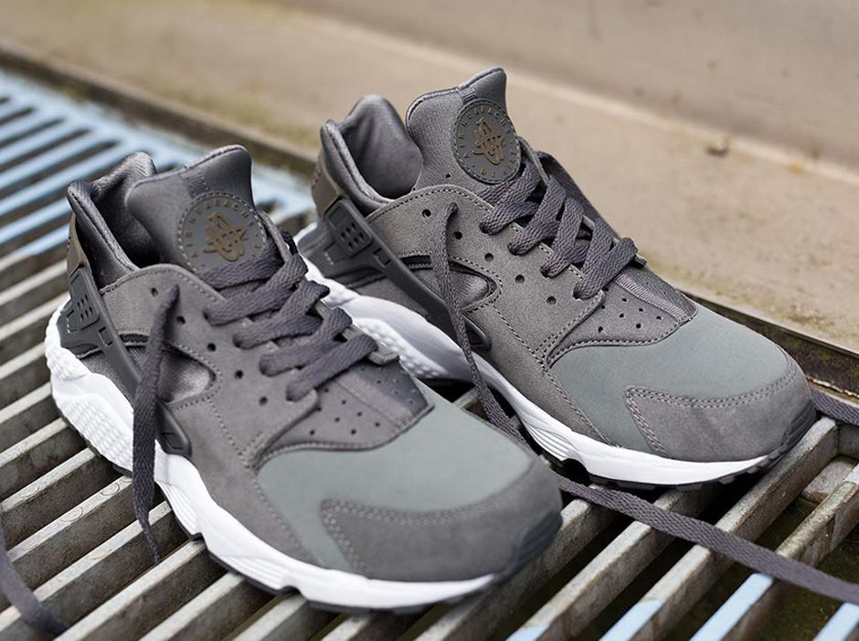 nike air huarache men grey
