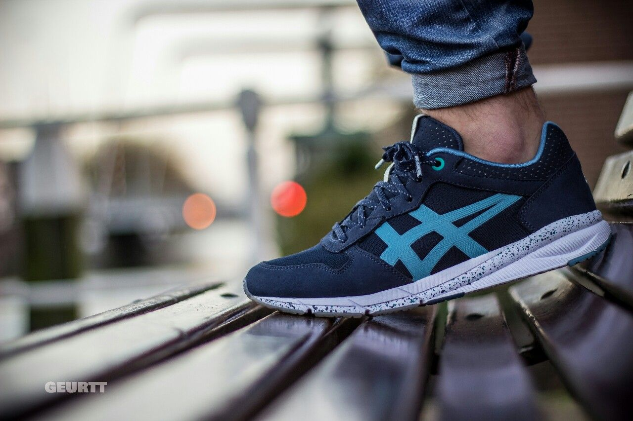 asics onitsuka tiger on feet