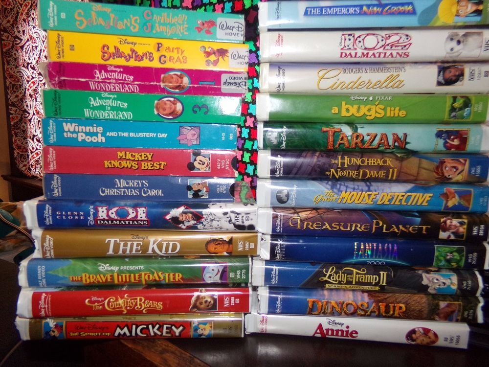 Details About Lot Of 26 Disney Vhs Tapes Variety Of Titles Pinocchio Aladdin And More Memorbillia Vhs Tapes Vhs To Dvd Disney