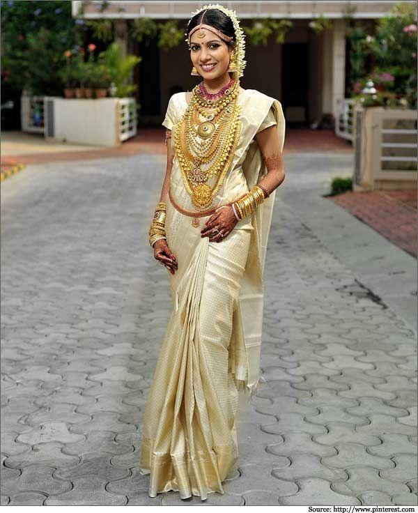 Wedding Sarees For Bride Kerala Hindu: This Elegant Bride Looks Dazzling In Cream And Gold Saree