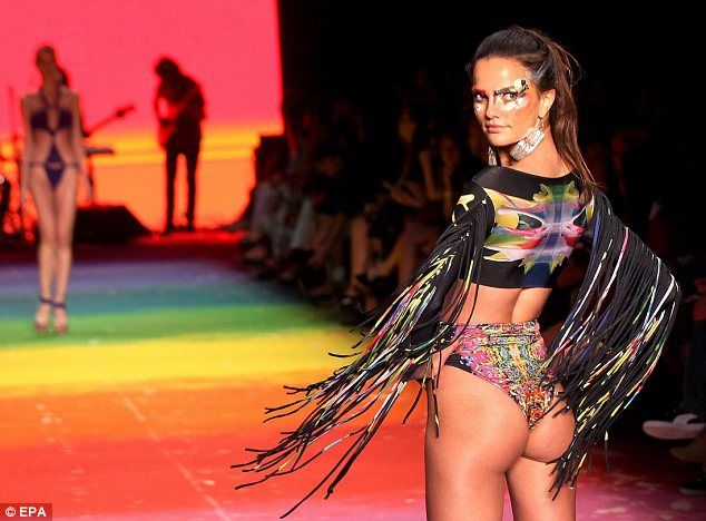 Brazilian swimwear fashion show 52