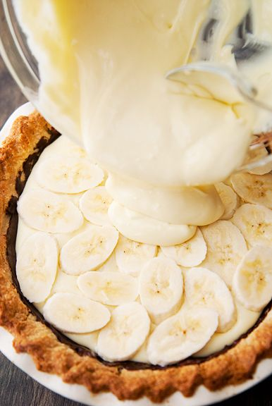 Bourbon caramel chocolate banana cream pie