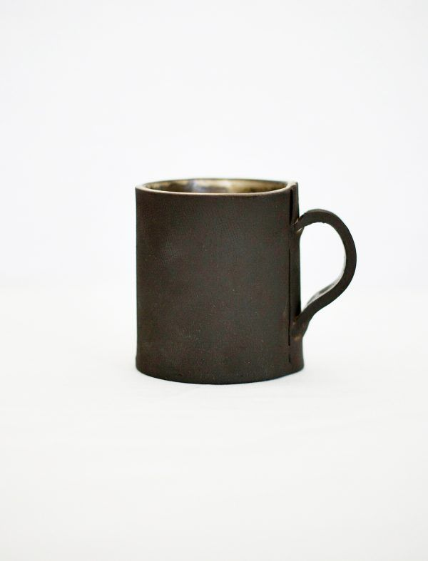 #ceramics #clay #potterylover #tealovers #tableware #handmade #ilovepottery #modernceramics #claywork #art #rustic #minimal #contemporarypottery #mug #keramik #coffeemug#design #slow #陶器 #homeandliving #céramique #simple #homewares #minimalism #coffee#rawstyle #onmytable #cerámica #barcelona #julia_lu_studio