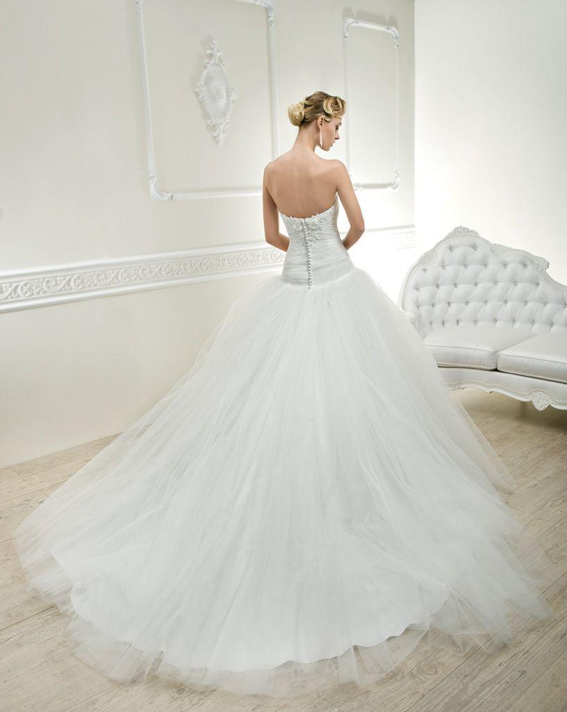 Résultats Google Recherche d'images correspondant à http://www.morelle-mariage.eu/photos_grd/robe-de-mariee-cosmobella-7563-6401_5.jpg