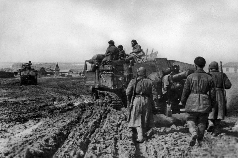 Mud, 1944