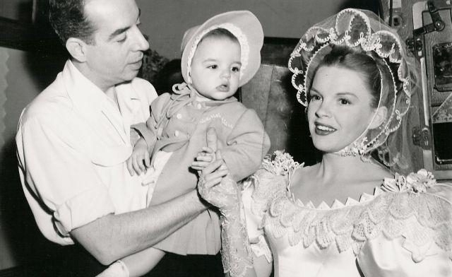 Judy Garland con Vincent Minnelli y su hija Lisa