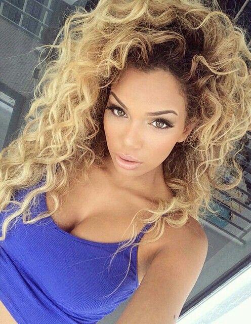 Big blonde loose curls